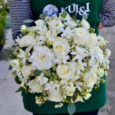 White Clutch Bouquet