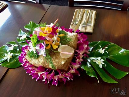 Hawaiian Table-Piece
